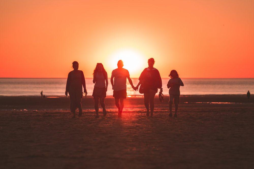 atpūta pie jūras ģimenei ar bērniem kurzemē, latvijā
