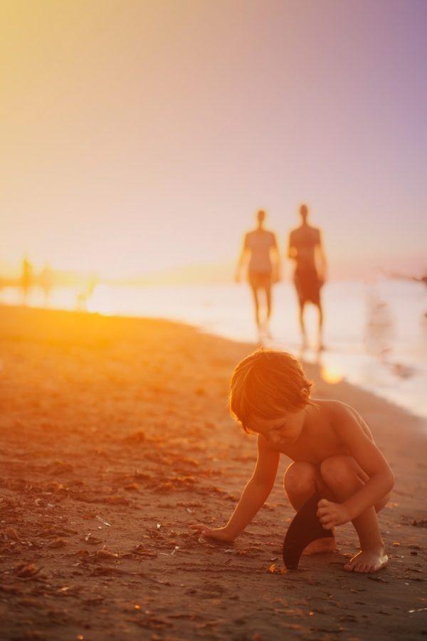 atpūta vasarā ar bērniem pie jūras