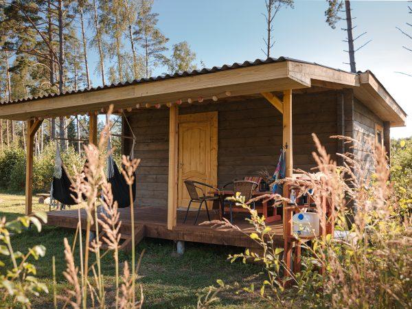 Atpūtas viesu namiņš mežā pie jūras Kurzemē Čiekuri
